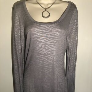 LONG SLEEVE GREY SCOOP TOP WITH SILVER DESIGN